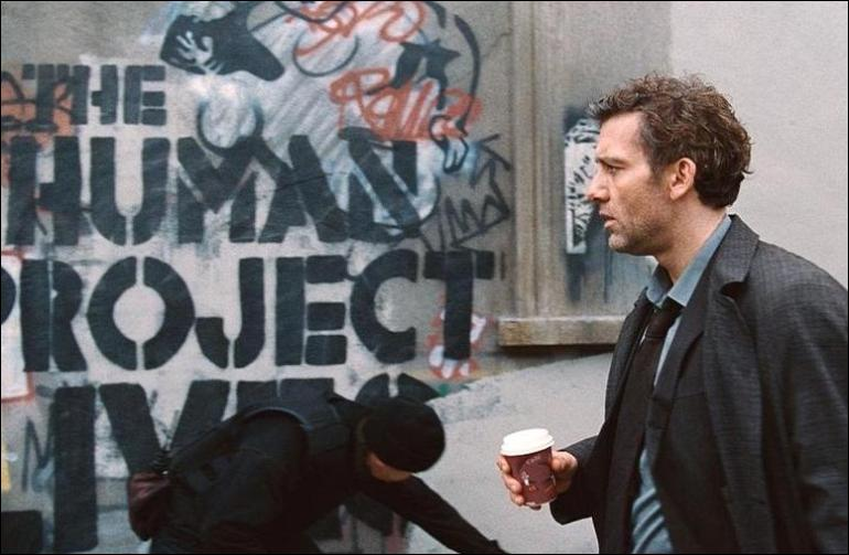 """the issues of our contemporary world in children of men a film by alfonso cuaron Each film, in some way, tells the world a little bit about who """"alfonso cuaron"""" is so it is not surprise that cuaron's latest effort, an adaptation of the esteemed british mystery writer pd james' downbeat novel """"the children of men""""also carries something of the mexican-born auteur: hope."""