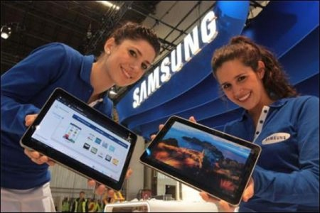 Samsung unveils its iPad challenger
