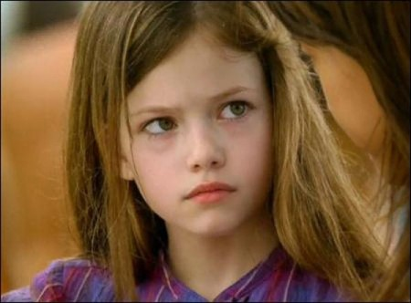 Twilight Saga: Mackenzie Foy joins 'Breaking Dawn'