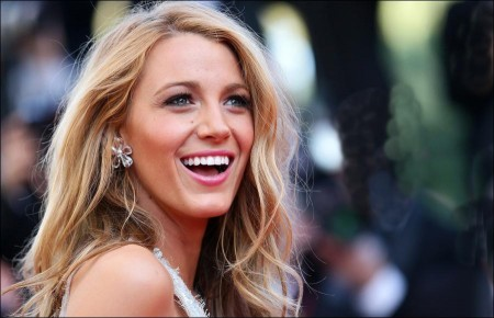 blake lively, blake lively biography, blake lively career, blake lively images, blake lively pictures, career milestones, gossip girl, hollywood stars, savages, the green lantern;