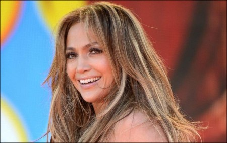 Jennifer Lopez's teary homage to her past loves