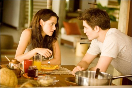 The Twilight Saga: Breaking Dawn Theatrical TrailerThe Twilight Saga: Breaking Dawn Theatrical Trailer