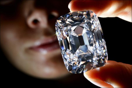 Famed diamond fetches record price $21.5M