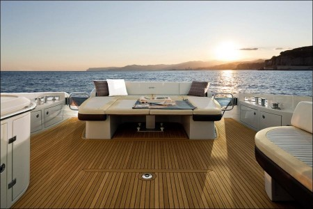 Azimut 60: More Privacy, More Comfort