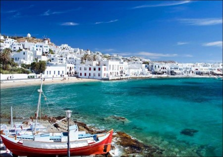 Love islands and romantic Greek beaches