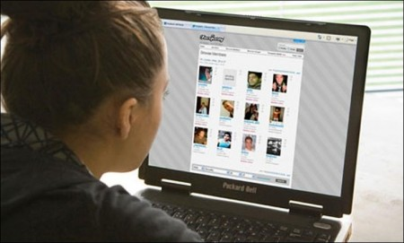 Is online dating a romantic playing field for women?
