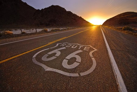 Route 66: Iconic Road from Los Angeles to Chicago