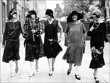 Fashion Styles and Modernity in 1920s